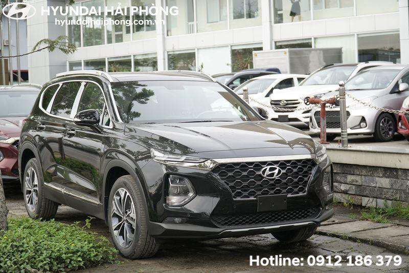 Hyundai-SantaFe-mau-den-tai-Hyundai-Hai-Phong